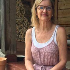 """FLT ravintovalmentaja Liisi Hirva: """"Mieli vaikuttaa kokonaisvaltaisesti hyvinvointiimme."""""""