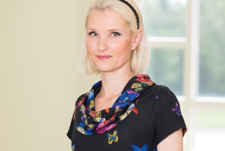 Diplomiravintoneuvoja Elviira Krebber, ketogeenisen ruokavalion asiantuntija
